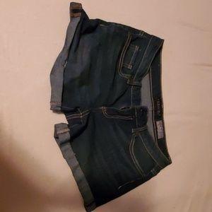 Shorts belt loop rip